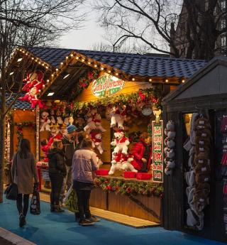 Magical Christmas markets in Paris